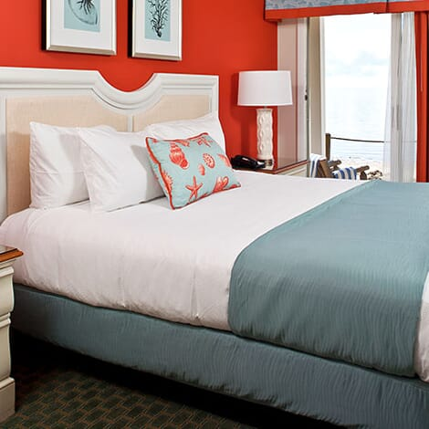 Which in-room amenities are available at Surfside Hotel & Suites?